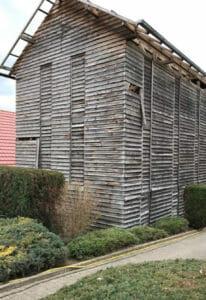 Un vecchio fienile prima della demolizione 1 206x300 - Un vecchio fienile prima della demolizione