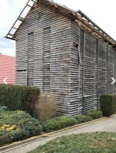 Un vecchio fienile prima della demolizione 229x300 - Un vecchio fienile prima della demolizione