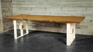 tavolo 2 300x169 - Qubo