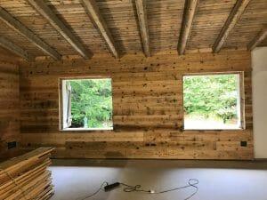 5 Riuso di tavole in abete antico prima patina come rivestimento interno in una nuova costruzione 300x225 - 5-Riuso di tavole in abete antico prima patina come rivestimento interno in una nuova costruzione