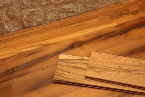 6 Pavimento in rovere antico di recupero seconda patina 300x200 - 6-Pavimento in rovere antico di recupero seconda patina