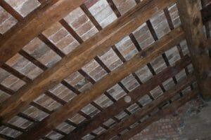 5 Solaio in abete e tavelle di recupero 300x200 - 5-Solaio in abete e tavelle di recupero
